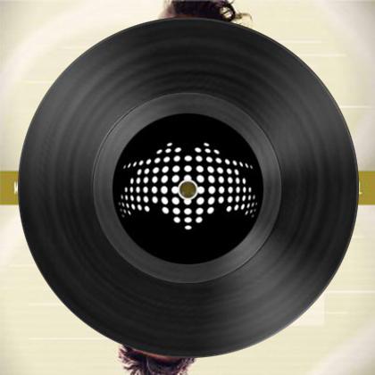 http://www.molella.com/wp-content/uploads/2021/05/Starlight-Gold-cover-con-vinile.jpg